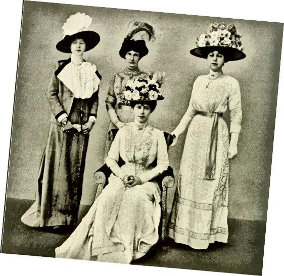 बड़ी टोपी: क्वीन मैरी और महिलाएं 1911।