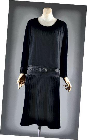پیراهن پشمی پیراهن پیراهن سال 1927 توسط Chanel طراحی شده است