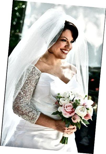 Φόρεμα γάμου με λαιμόκοψη, Sara Ramirez από την Grey's Anatomy από την Amsale, δημοσιεύτηκε από την Prisca Oktavia Dwi Putri στις 21 Δεκεμβρίου 2014