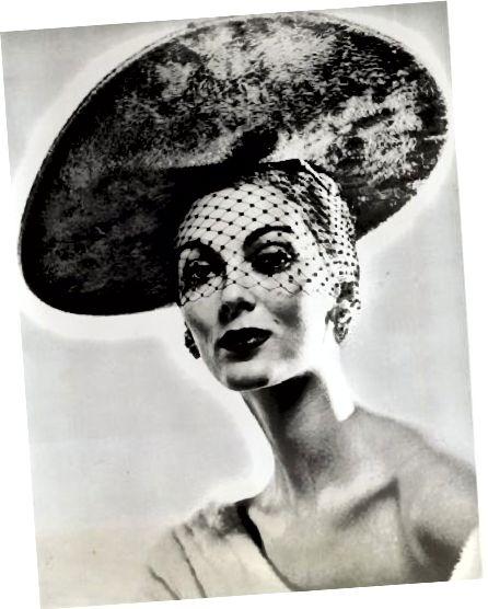 عکس تبلیغاتی از دهه 50 برای مجموعه آقای جان