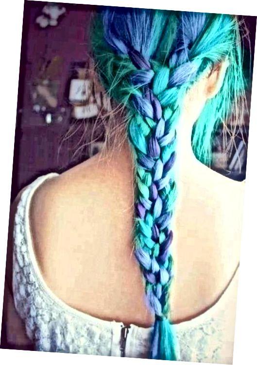 موهای آبی بافته
