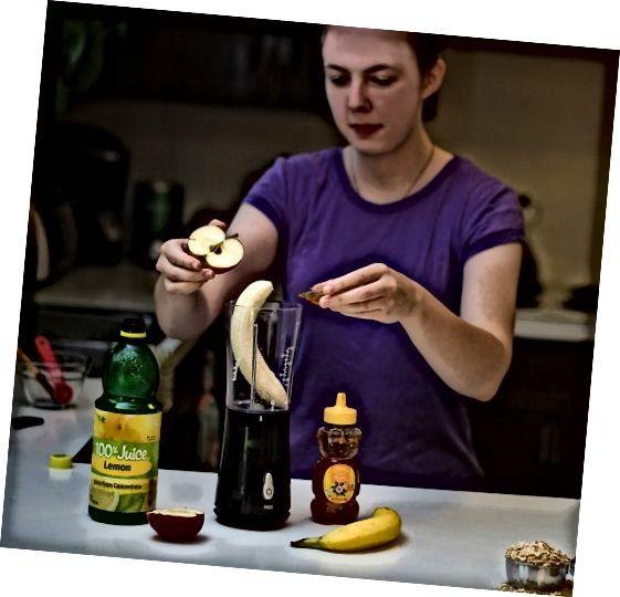 خوردن میوه های تازه ، سبزیجات و پروتئین باعث کاهش بروز جوشهای سرسیاه می شود.