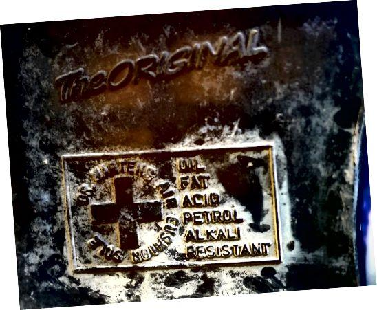 La semelle de coussin d'air Original Doc Martens est résistante à l'huile, la graisse, l'acide, l'essence et les alcalis.