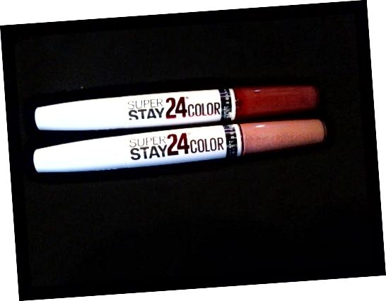 SuperStay 24 από Maybelline Top: Keep Up The Flame Bottom: Constant Toast