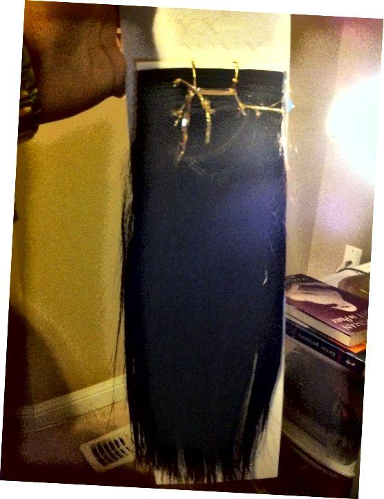 Un pachet de păr drept drept de 10 inci, pregătit pentru o țesătură.