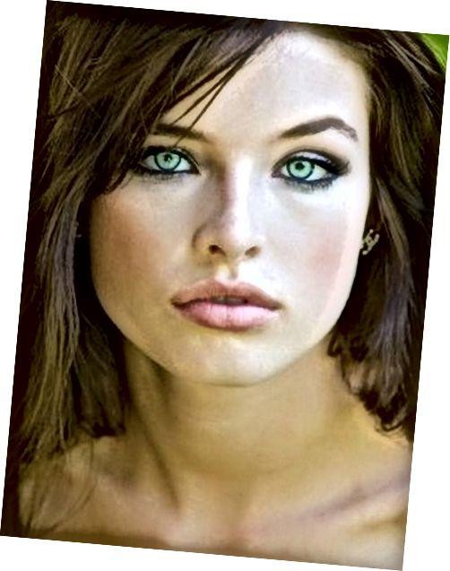 पेल स्किन, हल्की हरी आंखों और मध्यम भूरे बालों वाले लोगों के लिए मेकअप टिप्स।