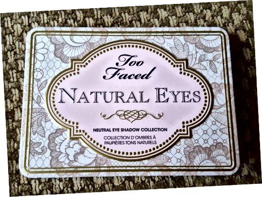 Палітра Too Faced Natural Eyes має міцну жерстяну упаковку з міцним металевим закриттям. Як і багато палітри цього списку, він має розмір долоні, що робить його ідеальним для подорожей.