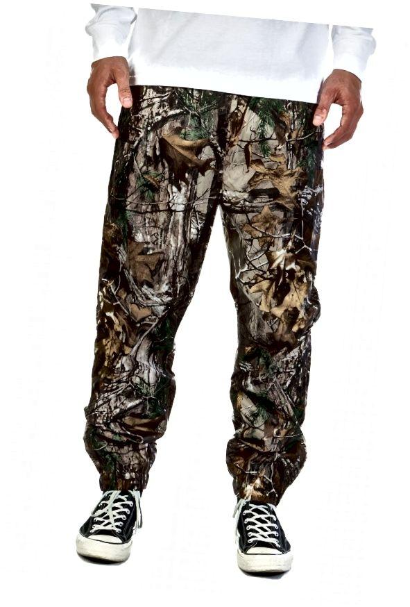 Tyto kalhoty jdou asi 120 dolarů, ale nemusíte za to tolik platit, abyste vypadali skvěle.