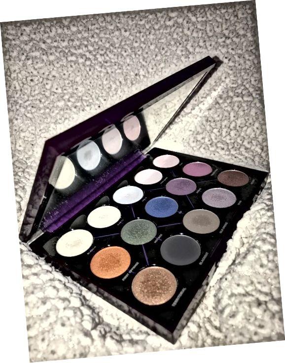 Palet Eyeshadow Distortion Urban Decay, $ 24