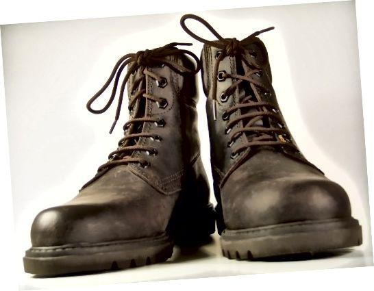 Použite Shoe Polish na zmenu farby vašich topánok