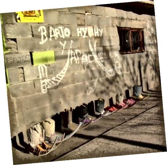 Οι μπότες Pointy Mexico ενσωματώνουν πολλές διαφορετικές τάσεις