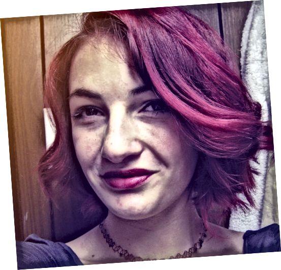 در اینجا عکس واضح تری از آنچه موهای من به نظر می رسد آورده شده است.