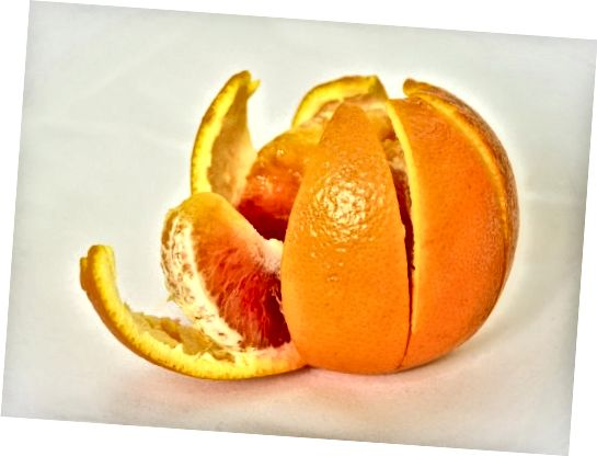 Prihranite pomarančne lupine za kožo in nato pojejte ostalo!