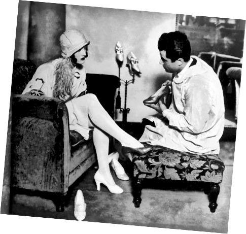 1928 में प्रसिद्ध ग्राहक जोन क्रॉफोर्ड के साथ साल्वाटोर।