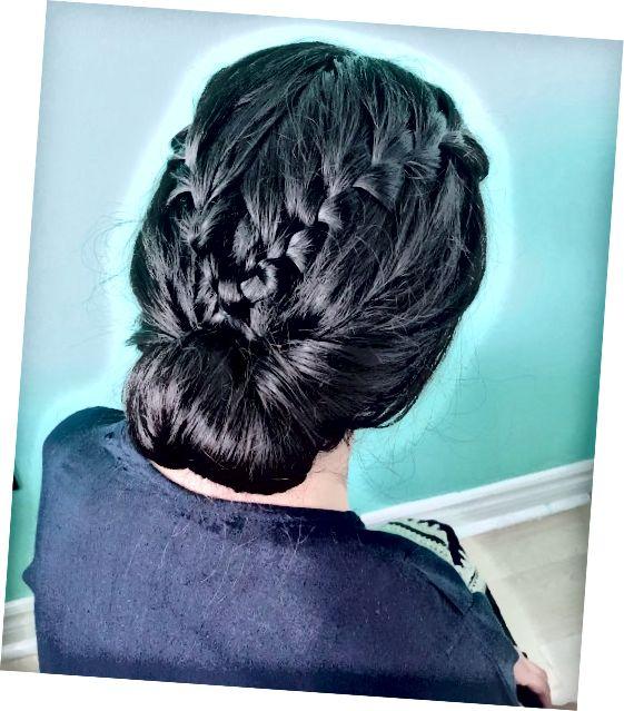 Poiščite pravi slog za svoje debele lase.