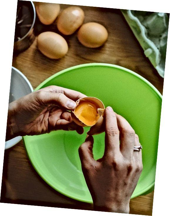 Naneste vajíčko bílé na oblasti s akné