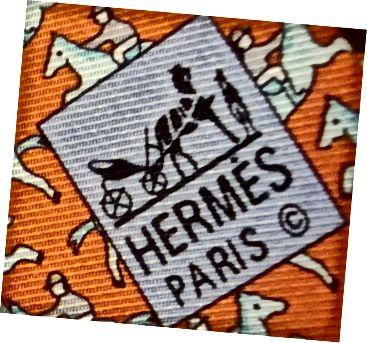 Vaadake toimse suunda. See ei tööta kell 11–5. See on rohkem idast läände kui ehtne Hermèsi lips.