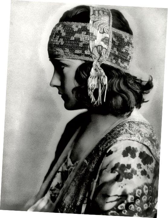 گلوریا سوانسون جوان