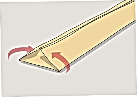பயாஸ் டேப்பைப் பயன்படுத்தி ஒரு பட்டன்-அப் சட்டை ஹெம்மிங்