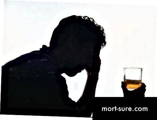 Ënnerscheed tëscht alkoholeschen an workaholic