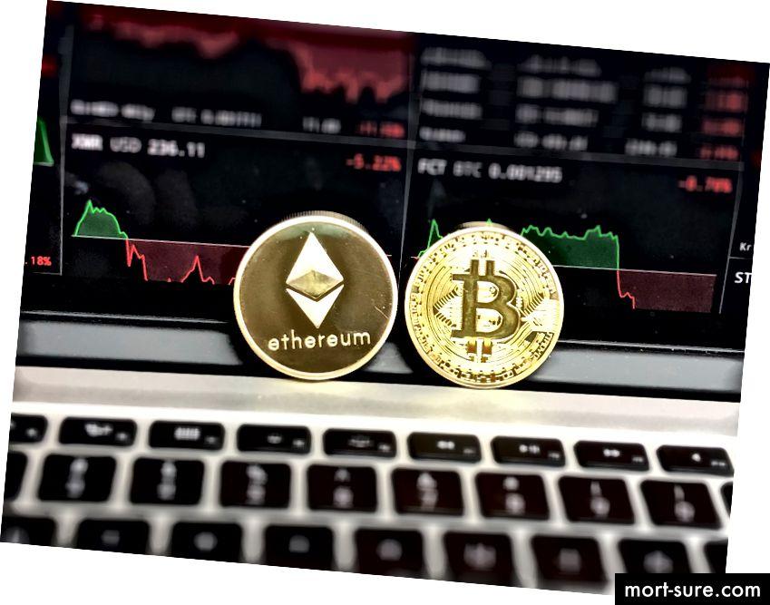 ببساطة ، Ethereum هي منصة مفتوحة المصدر تعتمد على تقنية blockchain تمكن المطورين من بناء ونشر التطبيقات اللامركزية.