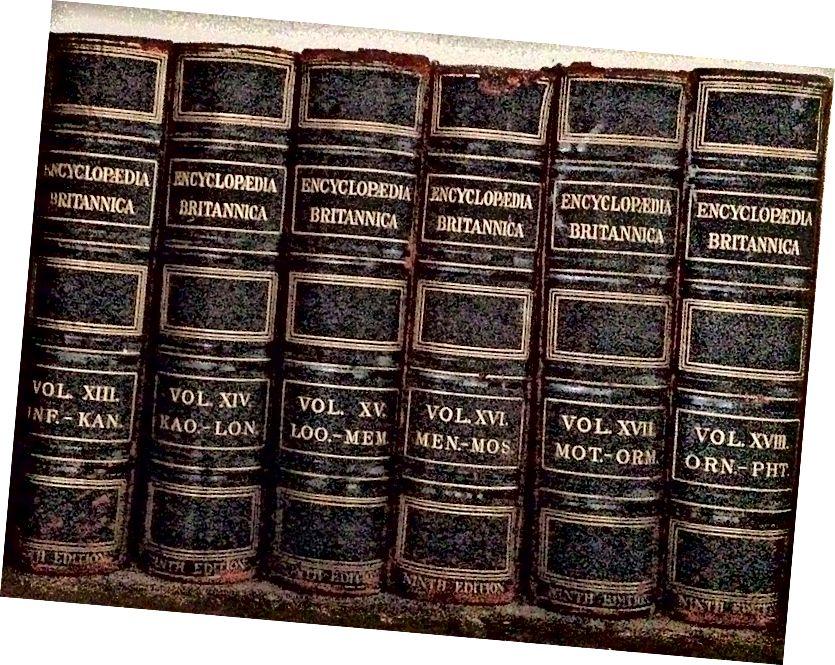 Hauptunterschied zwischen Almanach und Enzyklopädie
