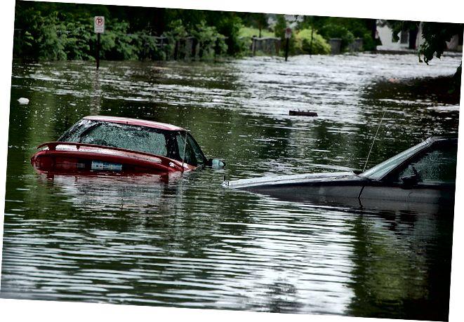 الفرق بين الفيضان والفيضان فلاش