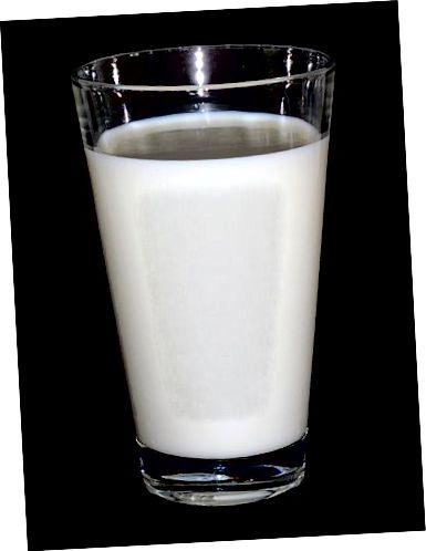 Atšķirība starp sieru un pienu