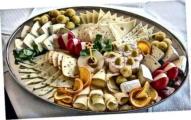 الجبن مقابل الحليب