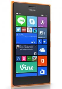 Atšķirība starp HTC Desire 620 un Lumia 735