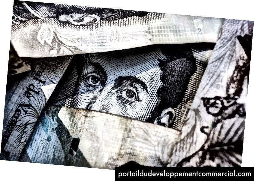 Photo du visage d'un billet de banque par Freddie Collins.