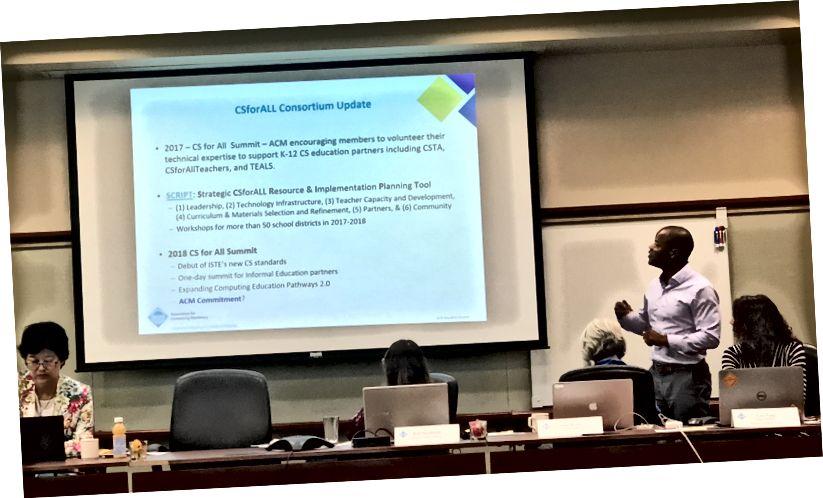 Jeff Forbes diskuterer uddannelsespolitik.