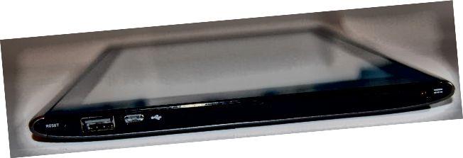 Acer Iconia A500 oikea puoli