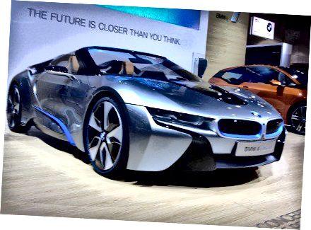 """2013 m. Los Andželo automobilių parodoje """"BMWi8concept"""""""