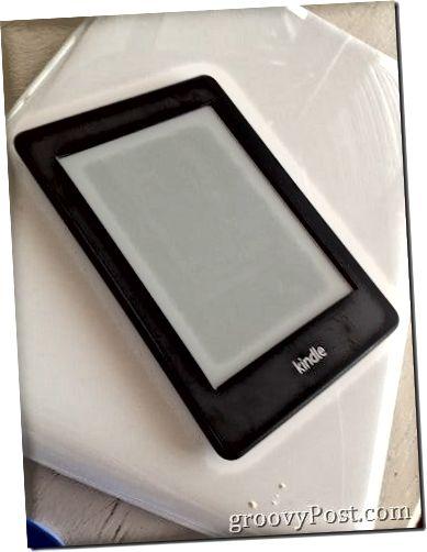 Kindle Paperwhite kytketty pois päältä (eväsmärsillä)