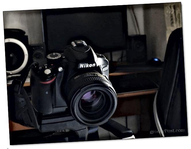 dslr slr τοποθετημένο συνδεδεμένο τρίποδο σταθερή σταθερή ρύθμιση φωτογραφίας