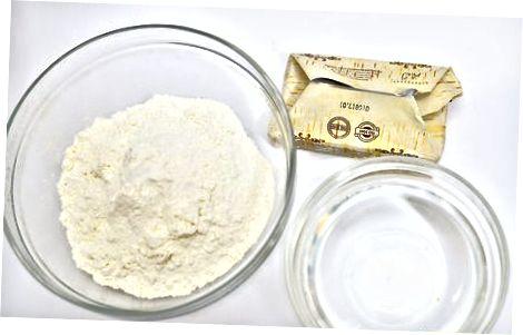 Изработка на обикновена бутер тесто от нулата