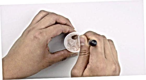 Използване на овлажнител и прахообразна основа