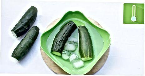 Приготвяне на краставици и буркани