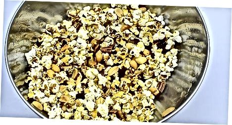 Създаване на Glazed Popcorn Trail Mix