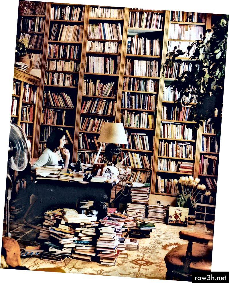 Spisovatelka jídla Nigella Lawsonová ve své studii.