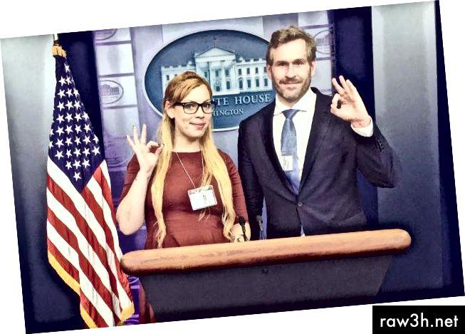 """Касандра Феърбанкс и Майк Чернович прогресираха със сигнала """"добре"""" в инструктаж на Белия дом."""