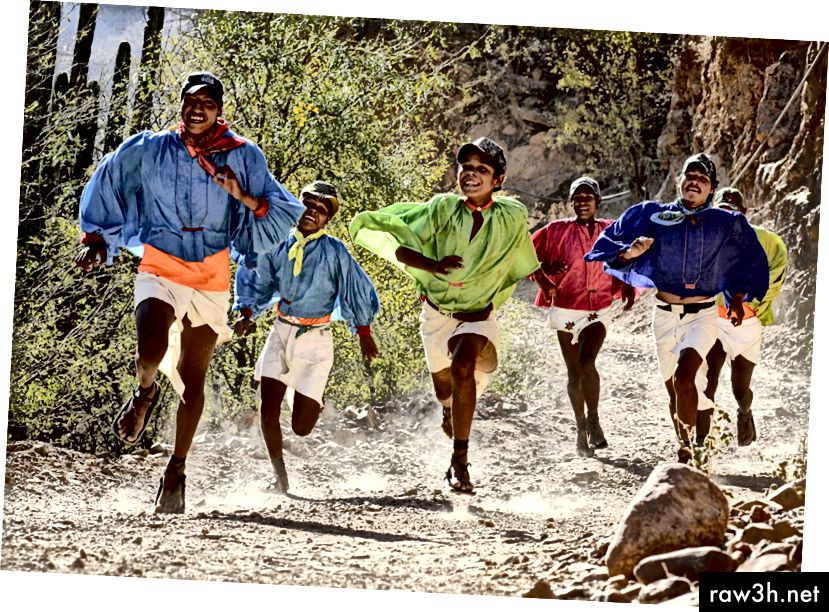Бегачи на Tarahumara (снимка от TellurideInside.com)