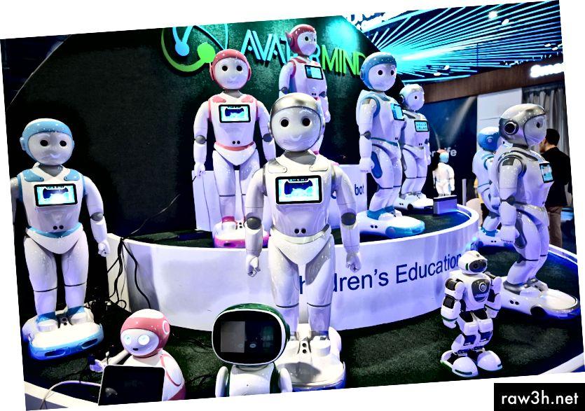 Образователни роботи на щанда на AvatarMind на изложението за потребителска електроника CES 2019 в Лас Вегас през януари. Снимка: Robyn Beck / AFP / Getty Images