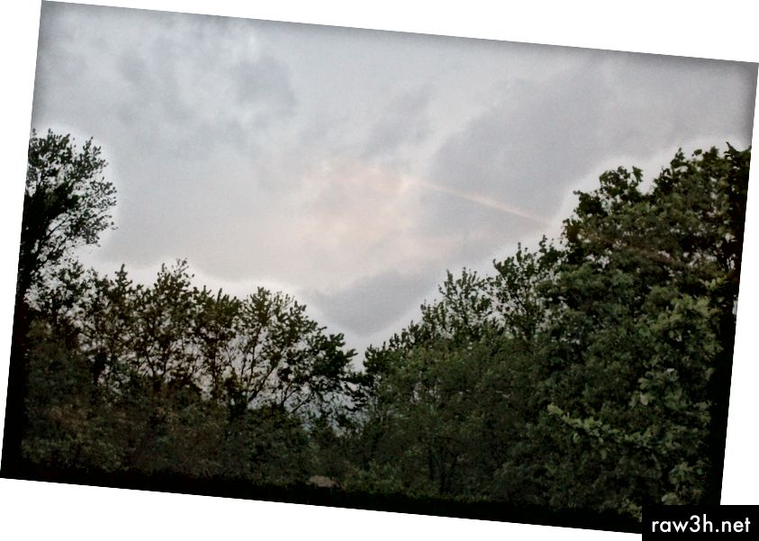 © 2019 Erica Graham-Clouds nærmer sig i horisonten.
