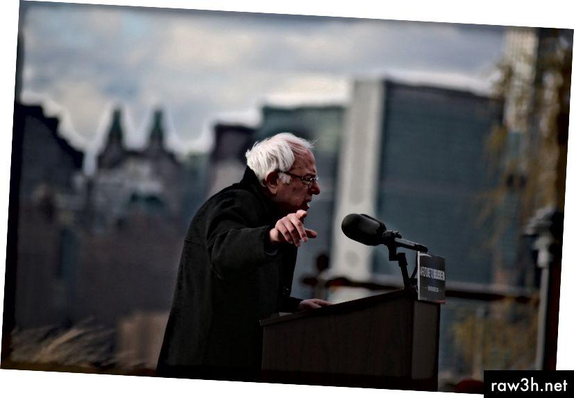 Moltes gràcies a Timothy Krause per aquesta imatge de Bernie Sanders a Brooklyn