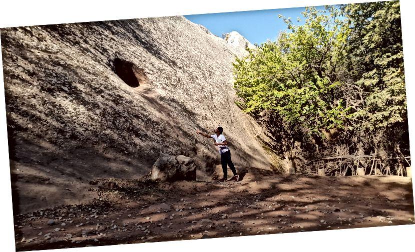 Et gammelt bjergkast (3 forsøger at få dit rockophold til) i Shahidon, Khatlon.