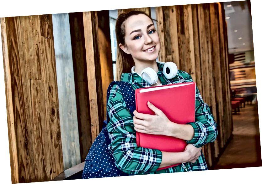 कॉलेज के छात्रों के लिए फ्रीलांसिंग: व्हाई इट्स वर्थ इट एंड हाउ टू डू इट
