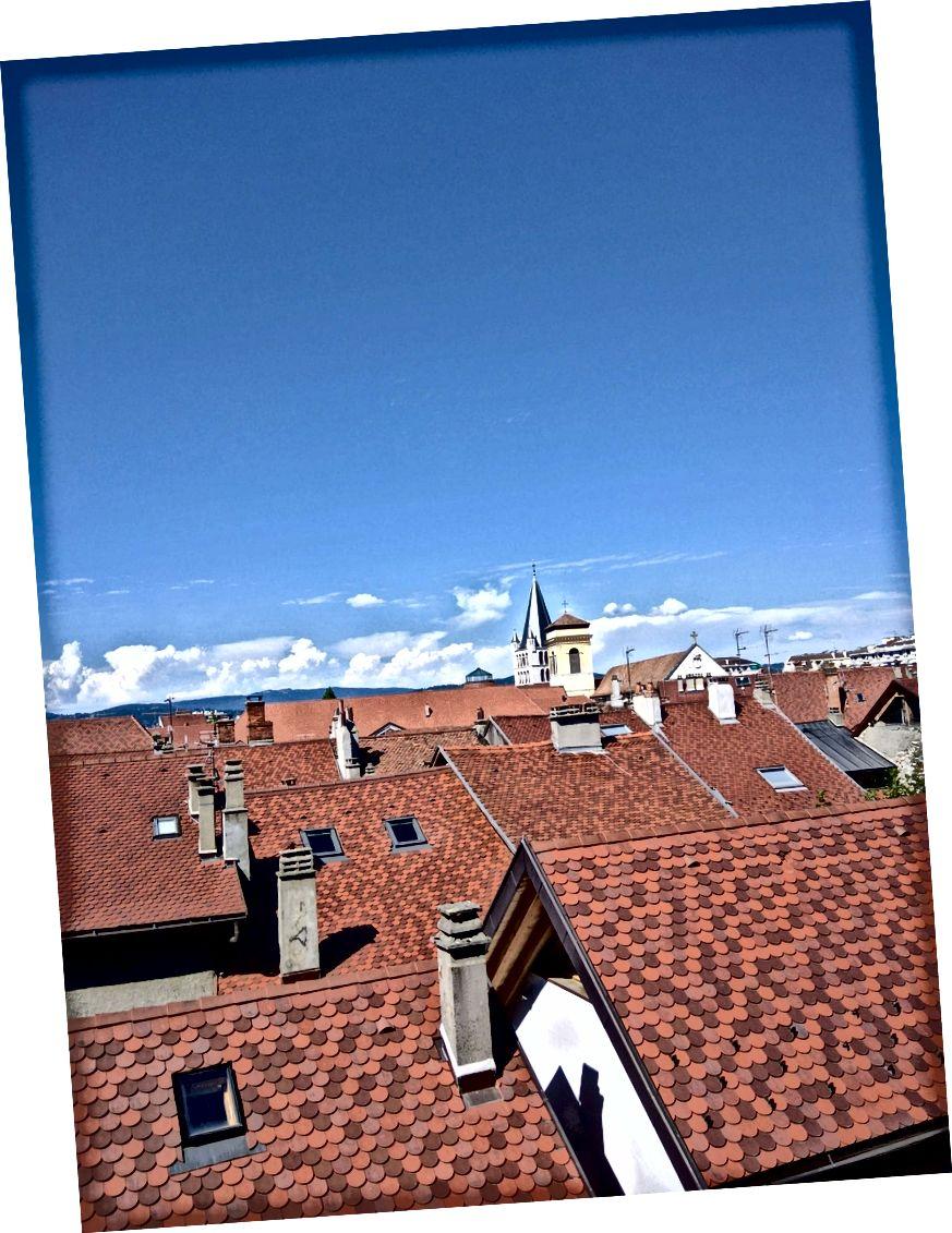 Vista del nucli antic d'Annecy des de dalt