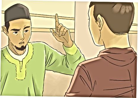 درباره اسلام صحبت می کند